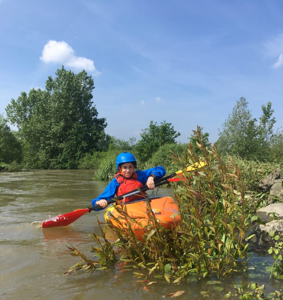 Kajakfahrer der Werrepiraten bei Paddelbergung bei Hochwasser auf der Lippe 2019